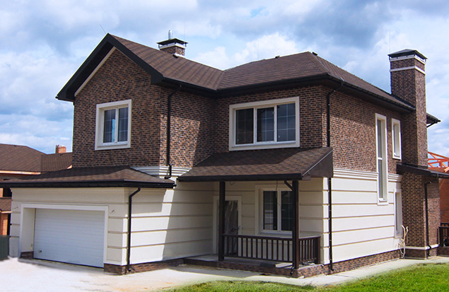 For sale finished house Yorkton at the plot of 8.8 acres in the second stage of the cottage community.