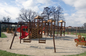 Kid's playgrounds for the youngest Green Hills residents